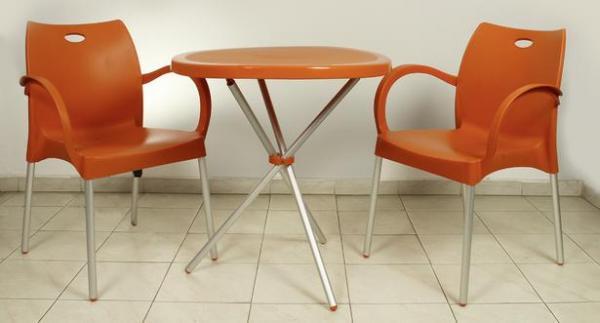 Пластмасов стол, оранжев