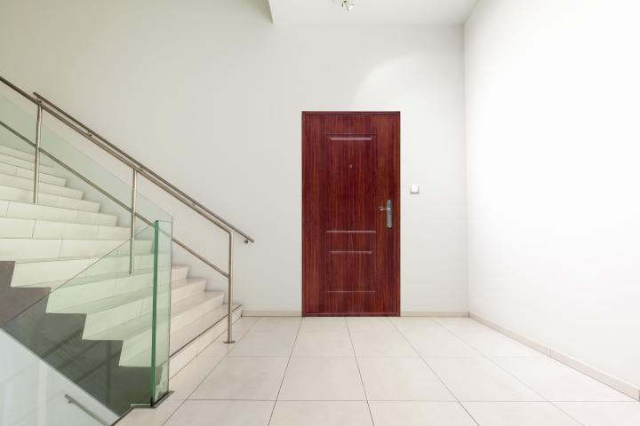 Вътрешна входна врата  TAU  870x2050, лява