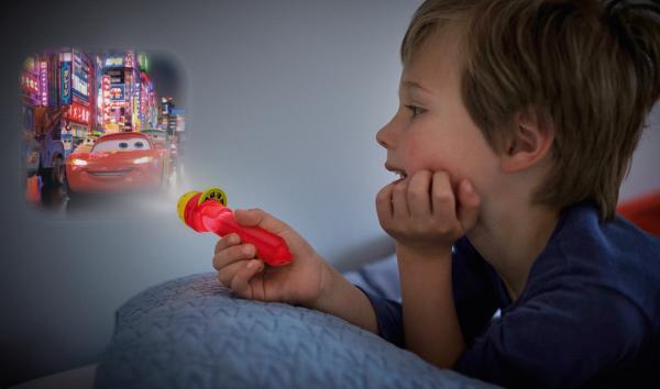 Детска лампа фенерче, проектор - Cars с батерии вкл